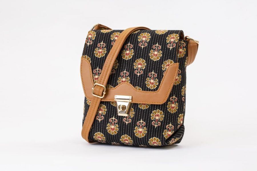 Black BeRe Marigold Compact S Sling-1
