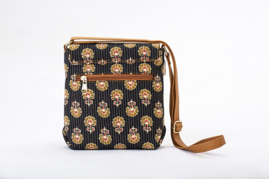 Black BeRe Marigold Compact S Sling-2