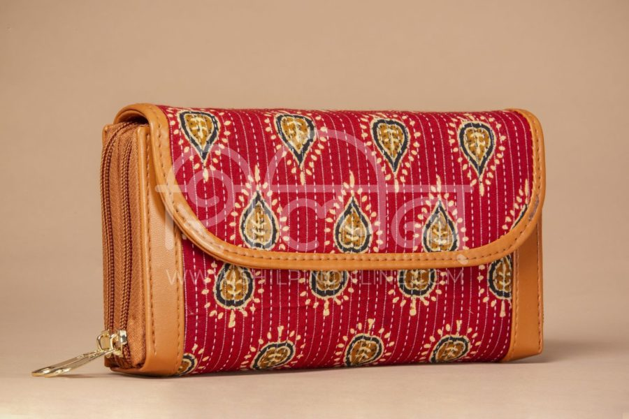 Red Spade Double Zipped Wallet2