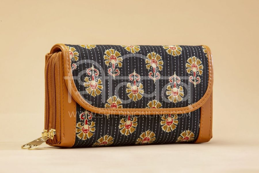 Black BeRe Marigold Double Zipped Wallet2