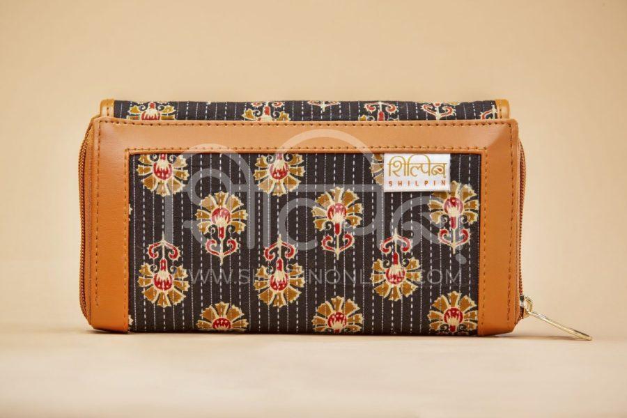 Black BeRe Marigold Double Zipped Wallet3