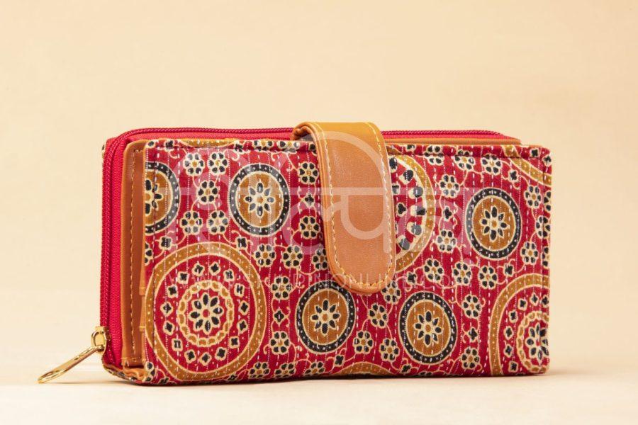 Red Mandala Motif Flap Wallet2