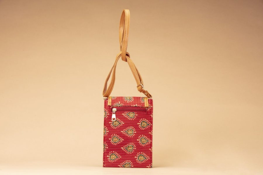 Red Spade Mobile Pouch-1