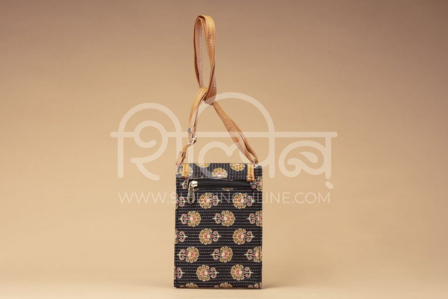 Black BeRe Marigold Mobile Pouch2