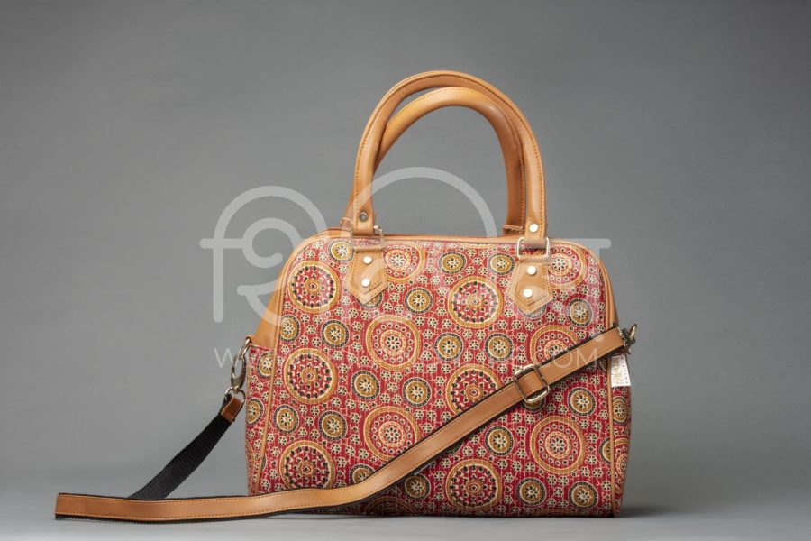 Red Mandala Motif D Shoulder Bag