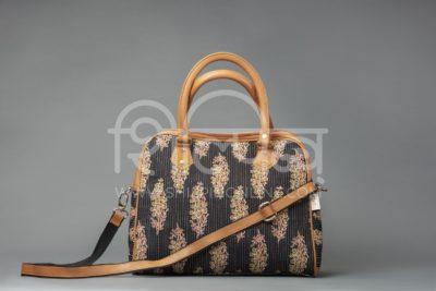 BB Tuft Block D Shoulder Bag