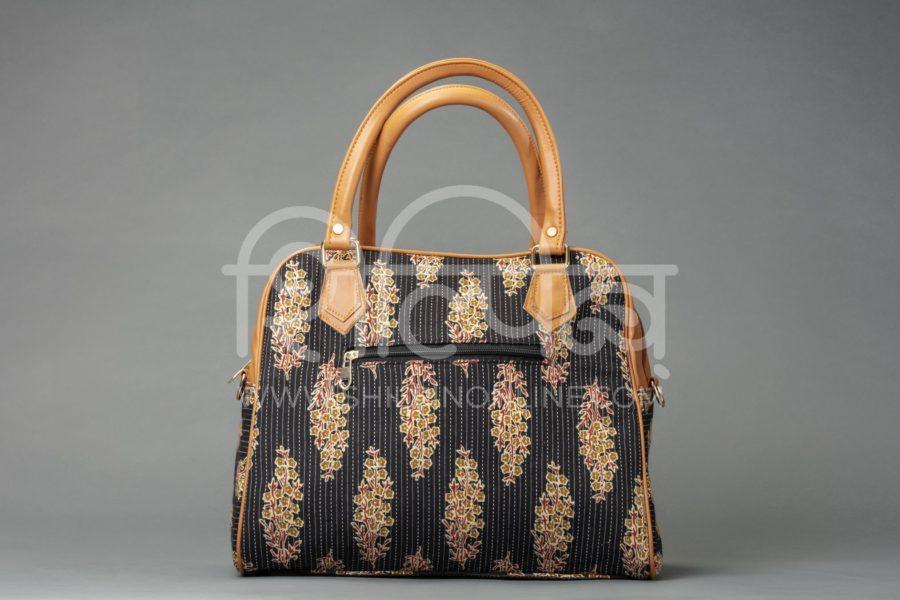 BB Tuft Block D Shoulder Bag2