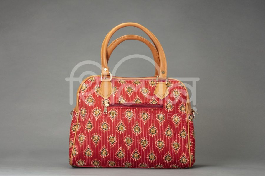 Red Spade D Shoulder Bag2