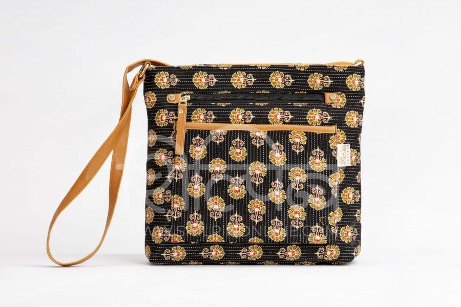 Black BeRe Marigold Multipocket Sling