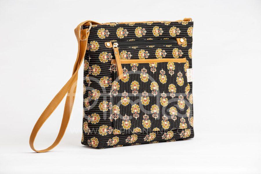 Black BeRe Marigold Multipocket Sling2