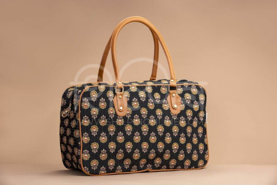 Black BeRe Marigold Travel Bag 1