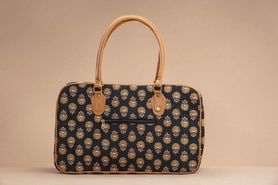 Black BeRe Marigold Travel Bag-2