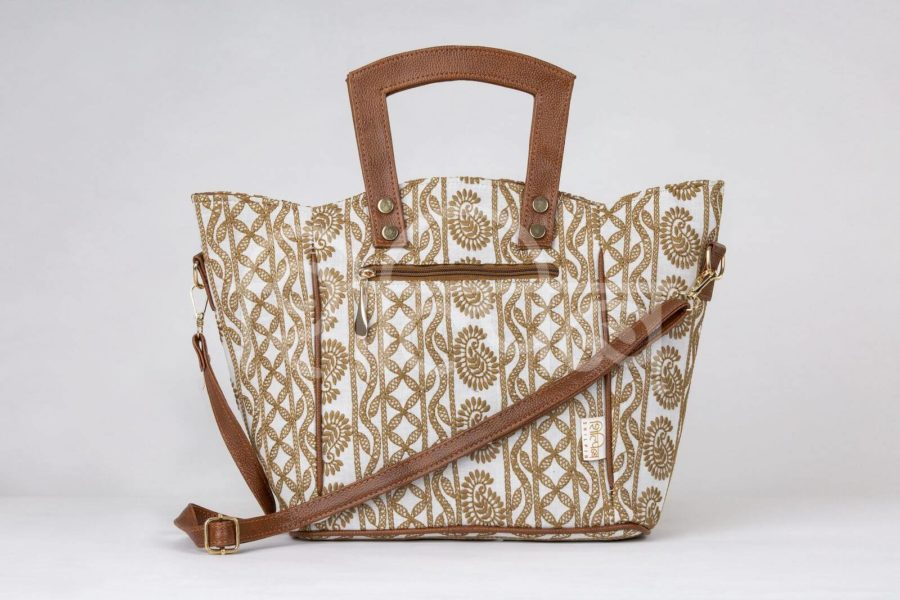 Lucknowi Stitch Ivory Base Shoulder Trapeze Bag2